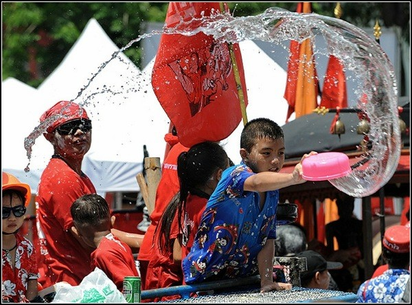songkran_festival_thailand-2