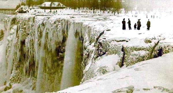 Niagara-Falls-Froze1