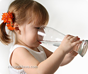 Girl-Drinking-Water-Glass-Child-Kid