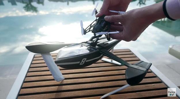 The-Parrot-Minidrone-Hydrofoil-1
