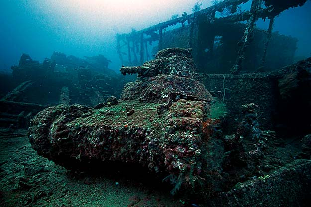 light-tank-on-the-deck-of-the-san-francisco-maru-at-about-50m-depth-in-truk-lagoon