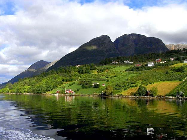 Hardangerfjorden26