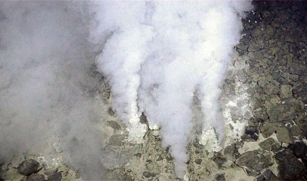 Вулканическая активность и органика.